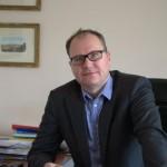 radca prawny Paweł Smoręda specjalizuje się w sprawach odpowiedzialności przewoźników za szkody w przewozie, doświadczenie w egzekwowaniu roszczeń od towarzystw ubezpieczeniowych